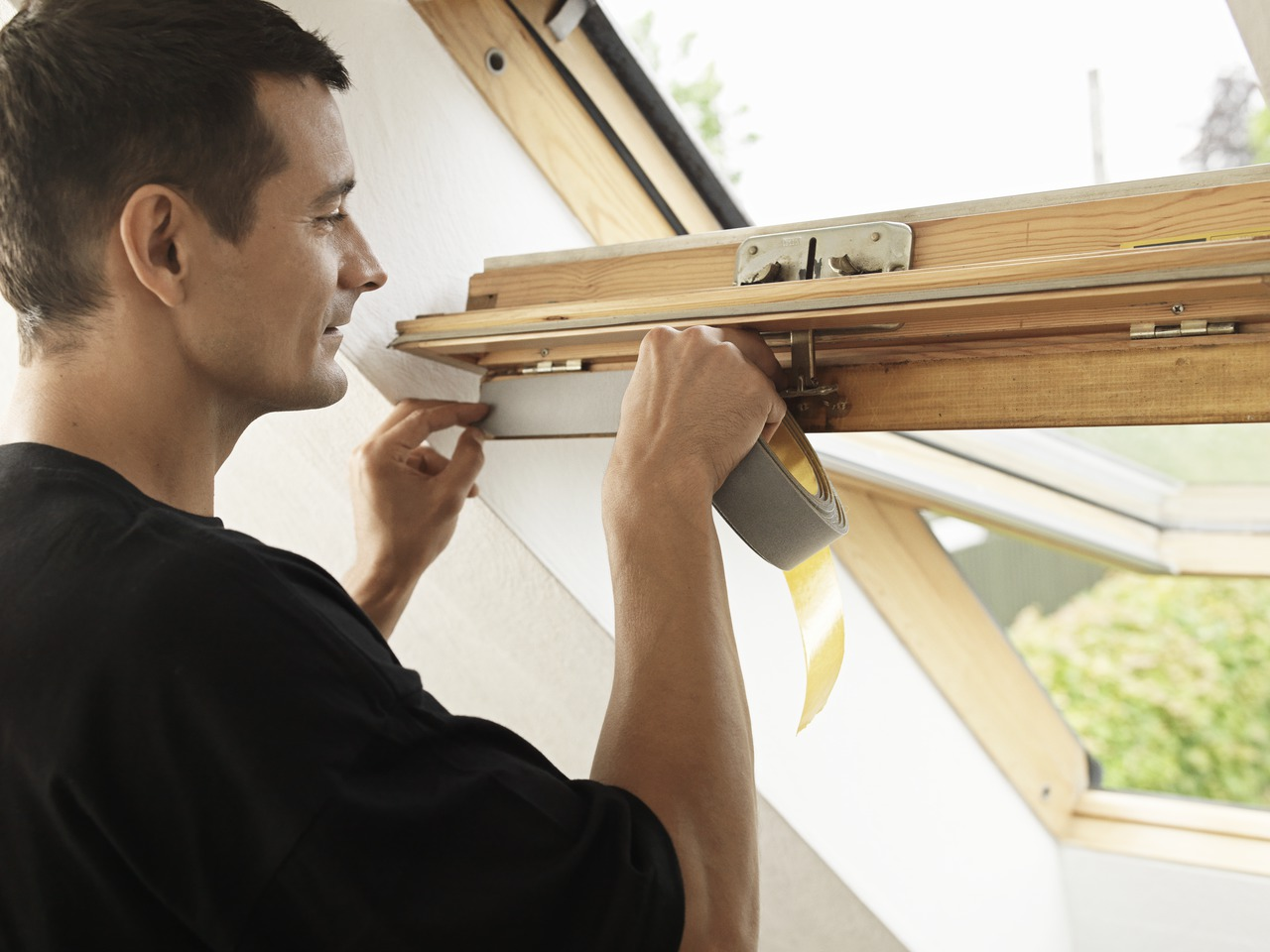 Come fare la giusta manutenzione ai serramenti for Finestre velux su amazon