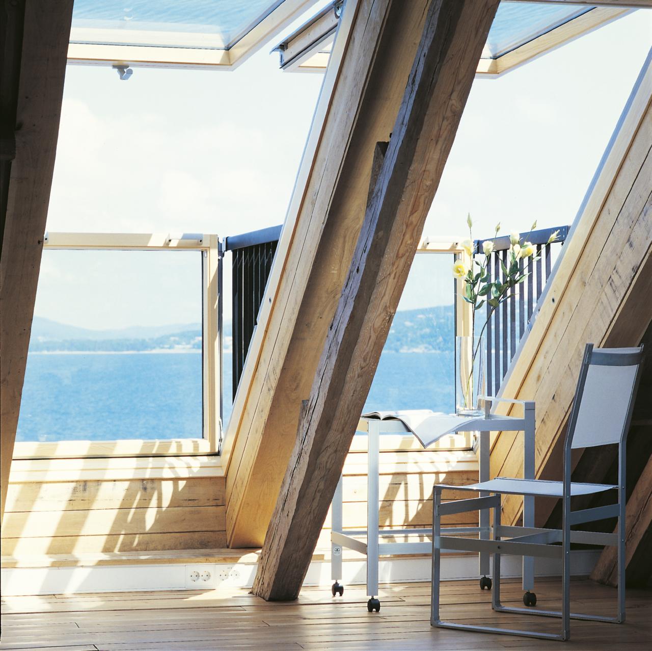 La finestra a balcone belvedere a sorpresa for Velux finestre balcone