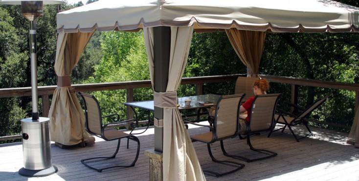 Come ripararsi dal sole in terrazza tende pergole e gazebo - Gazebo per terrazza ...