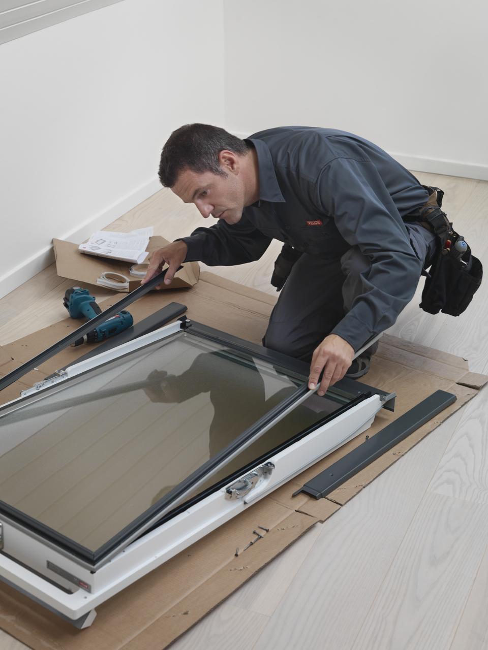 Sostituzione vetro finestra velux terminali antivento for Velux assistenza