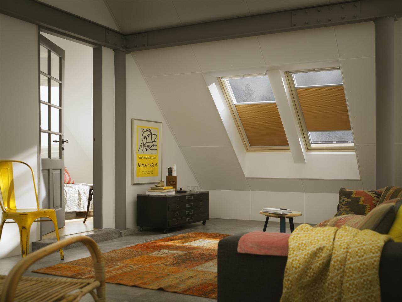 Tende per interni velux controlla la luce nella tua for Tende corte per finestre