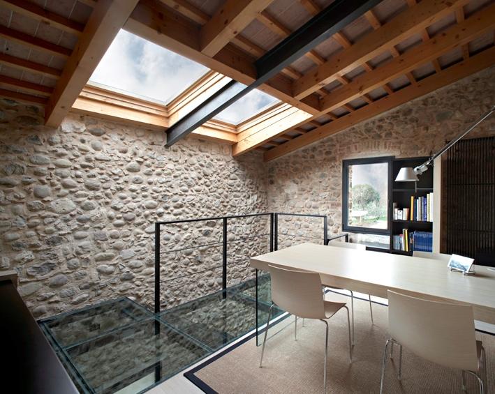 Ristrutturare un rustico e trasformarlo in mansarda casa for Casa moderna tetto piatto