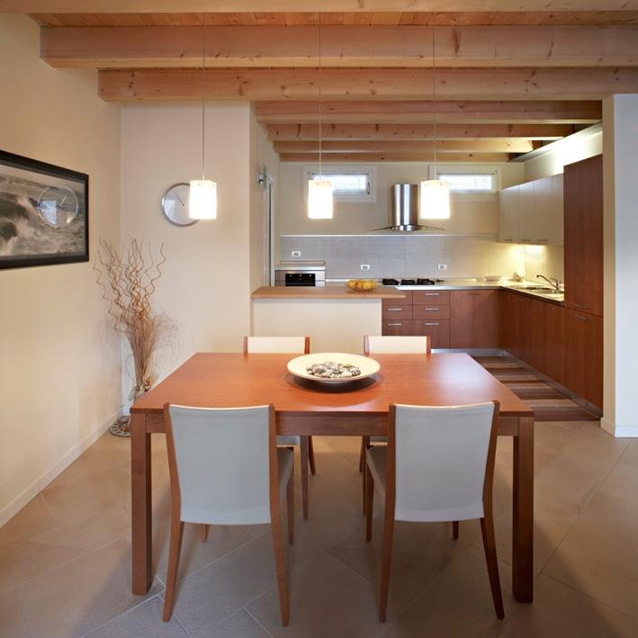 Illuminazione tetto in legno – parquet per interni