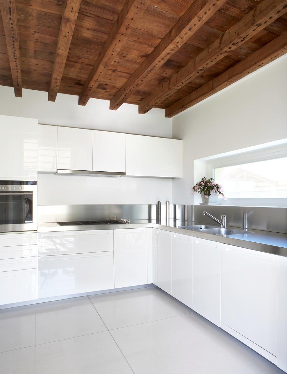 Casa Moderna Con Tetto In Legno - modello murano 100 m2 casa ...