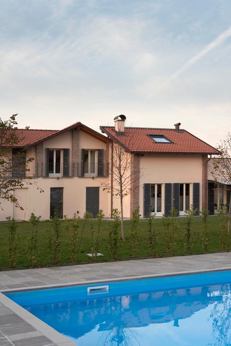 Casa di corte con la piscina