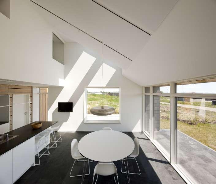 Luce naturale dal soffitto e dalle pareti