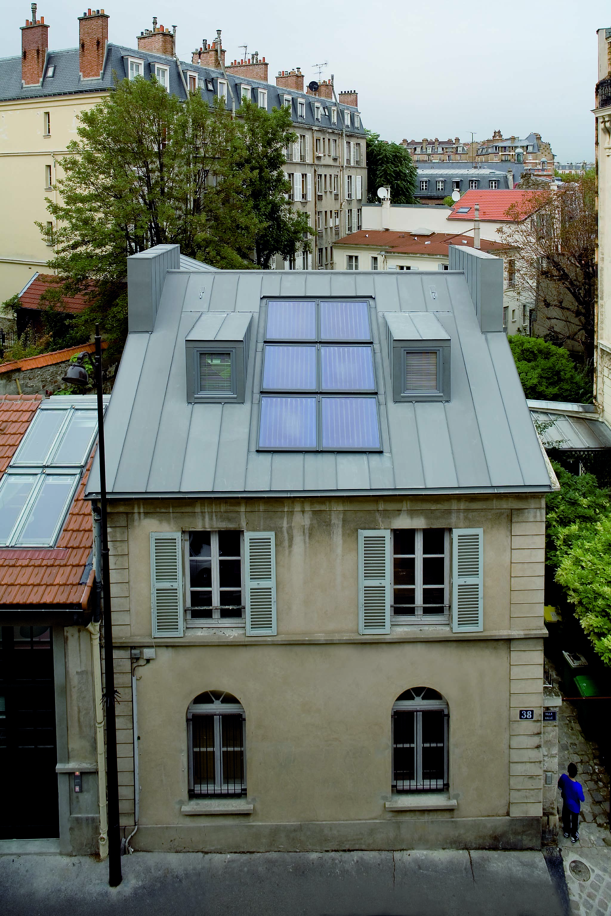 Il tetto con i pannelli solari termici