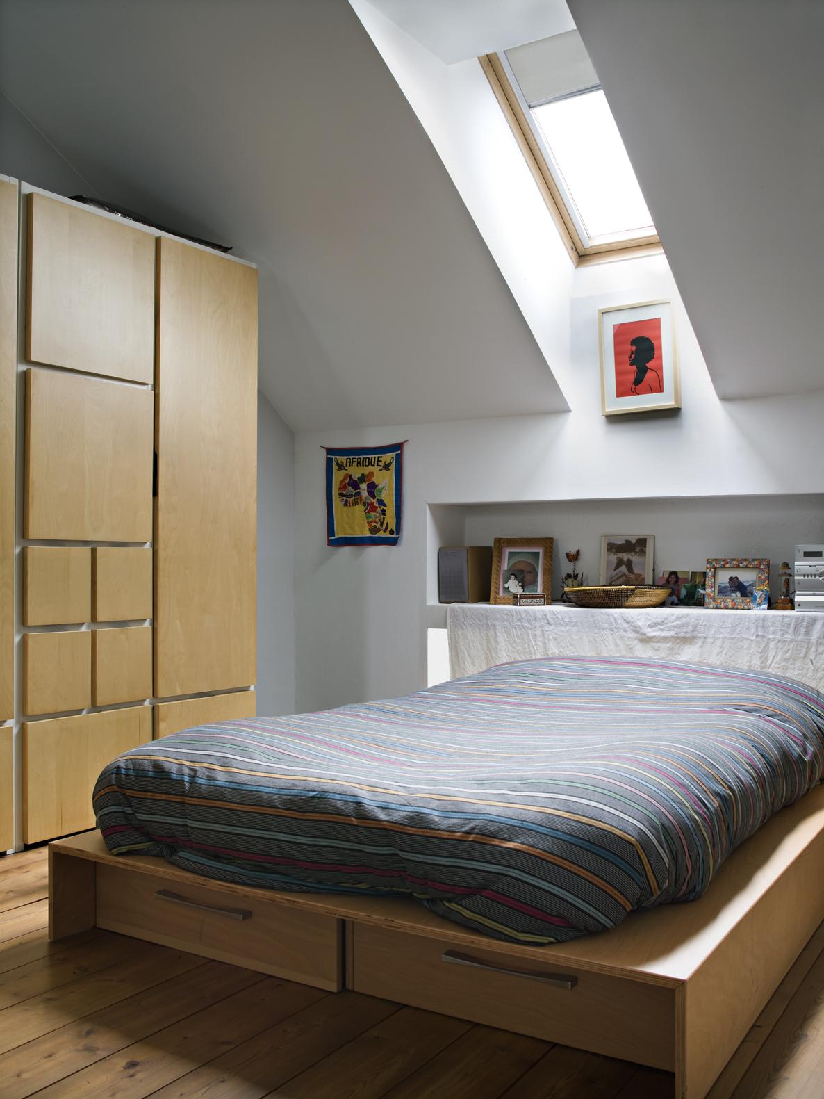Un mini loft a milano for Camera soppalco