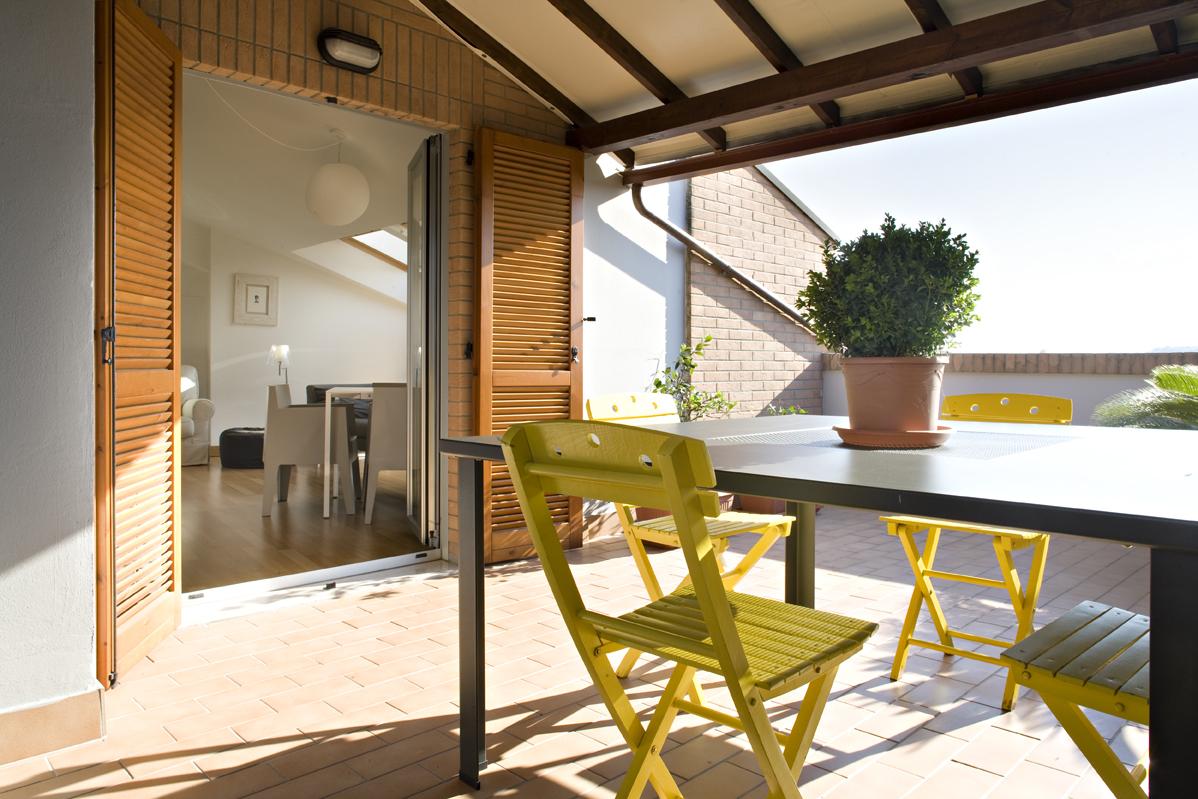 Ampliamento di un attico idee e consigli casa luce for Dimensioni finestre velux nuova costruzione