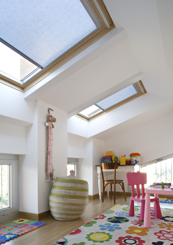 Ampliamento di un attico idee e consigli casa luce - Finestre con pannelli solari ...