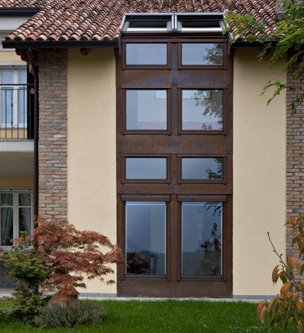 Mansarda seconda casa finestre velux for Finestre velux foto