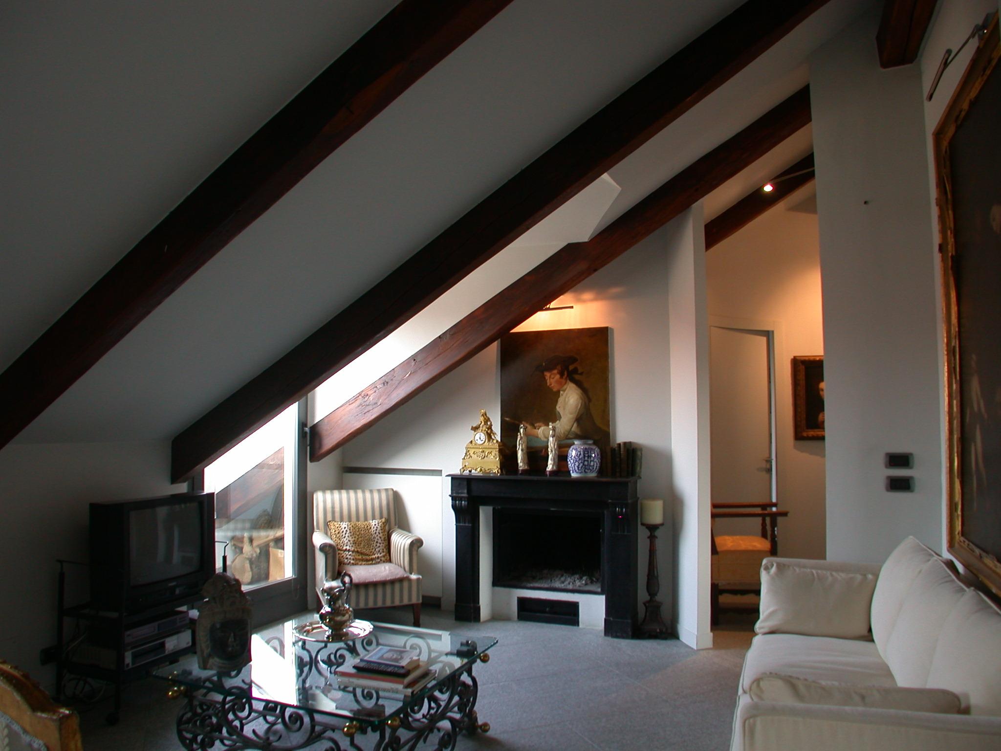Il salotto dopo la prima ristrutturazione