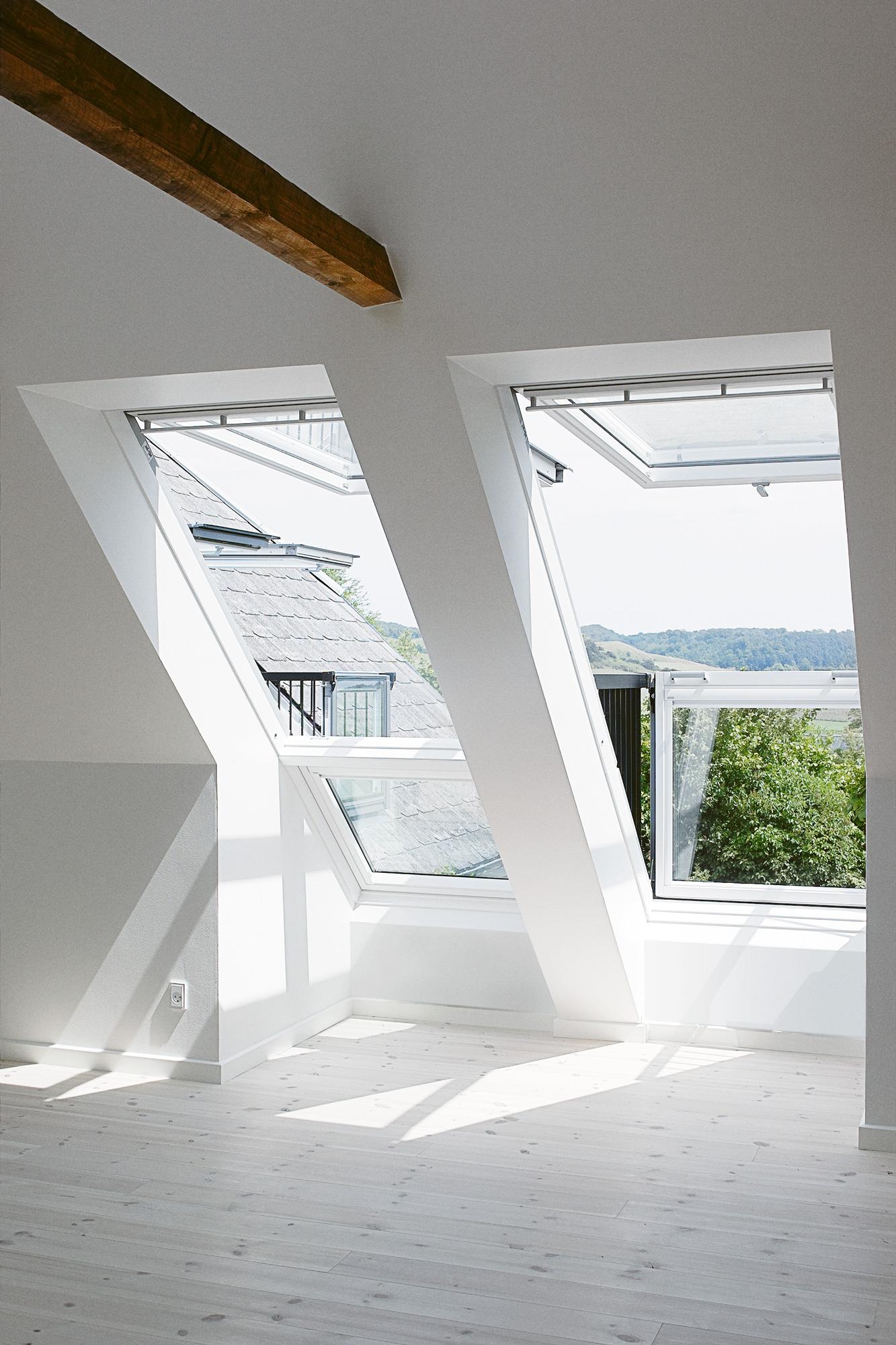 Finestra balcone for Misure lucernari per tetti
