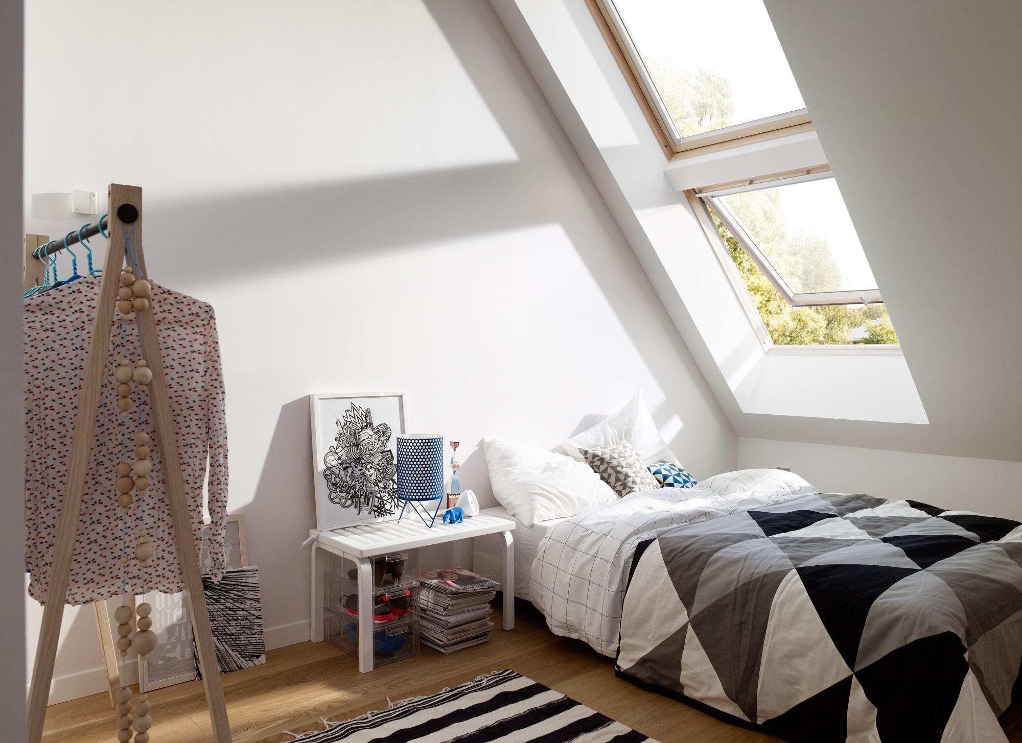 La finestra in legno un classico per la mansarda for Velux tetto in legno