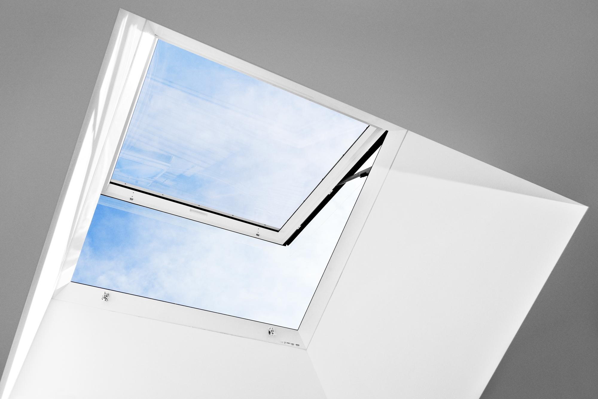 Finestra cupolino velux la finestra per tetti piani for Velux antieffrazione