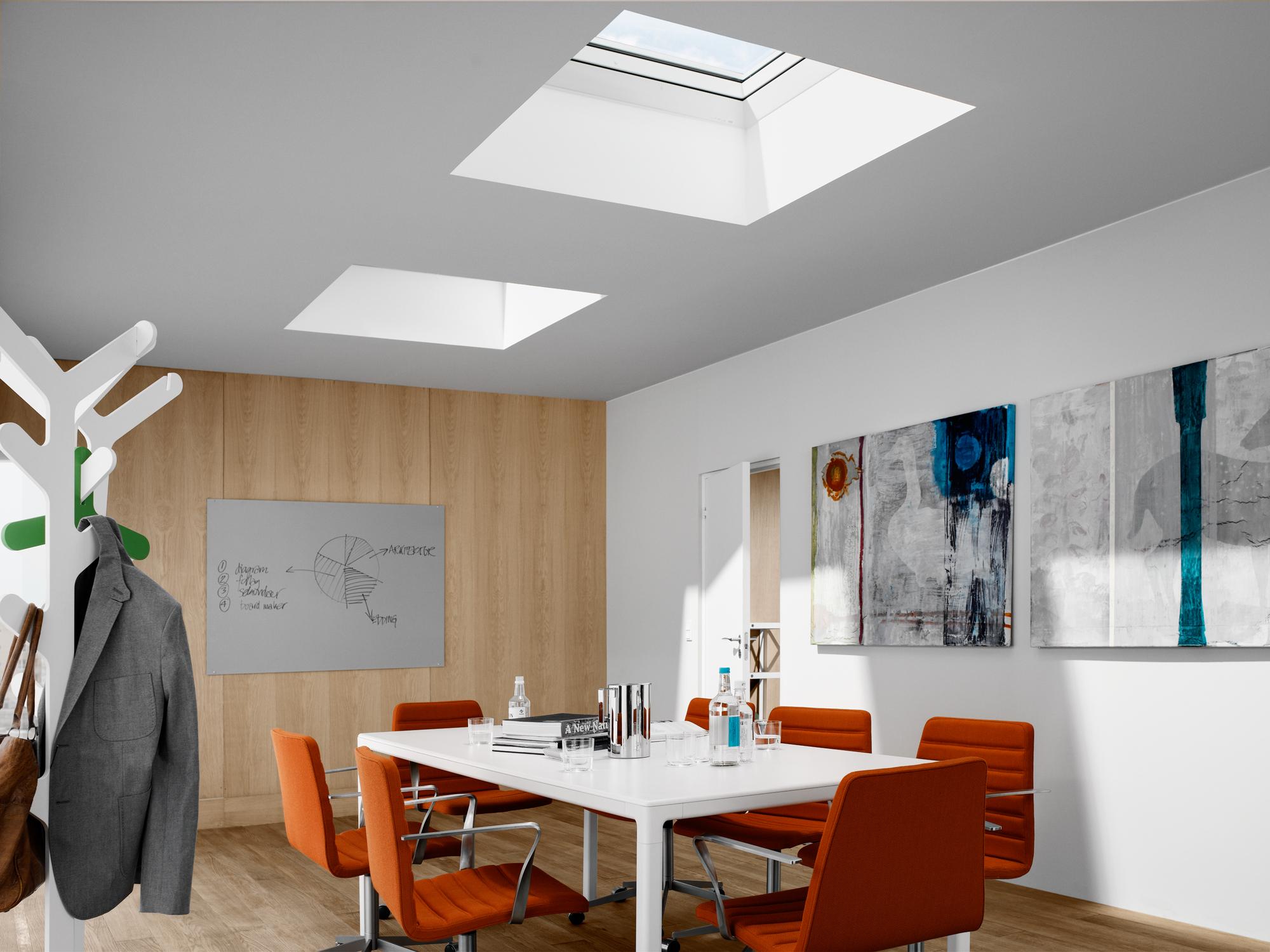 Finestra cupolino velux la finestra per tetti piani for Velux finestre per tetti piani