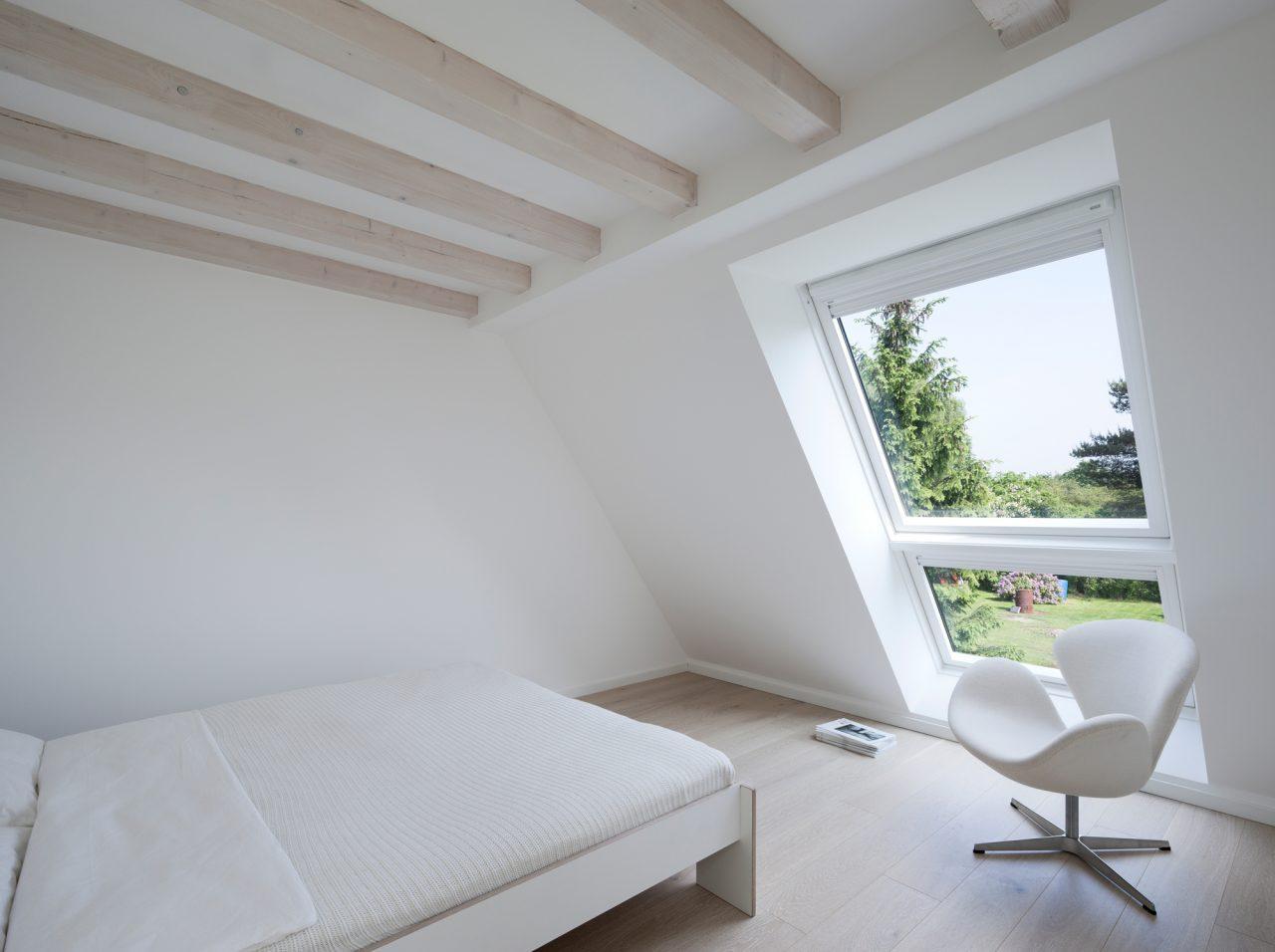 Calcolare la pendenza di un tetto percentuale e gradi for Mansarda in legno bianco