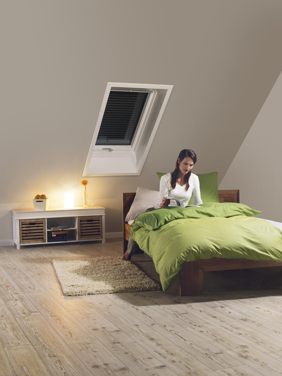 La nuova tapparella manuale easy di velux casa luce for Tapparelle per velux