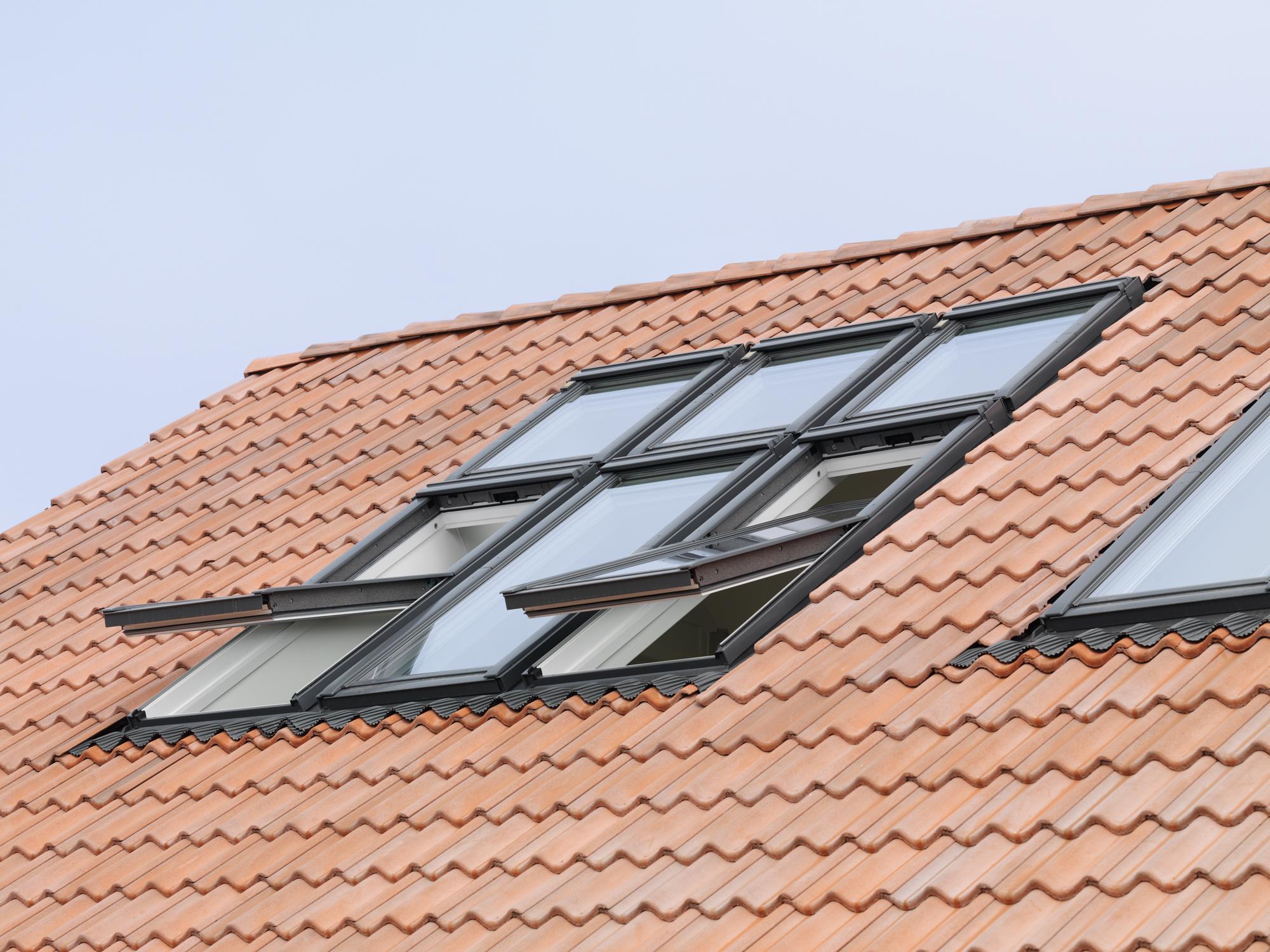 I lucernari non devono rispettare le distanze minime tra - Finestre da tetto ...