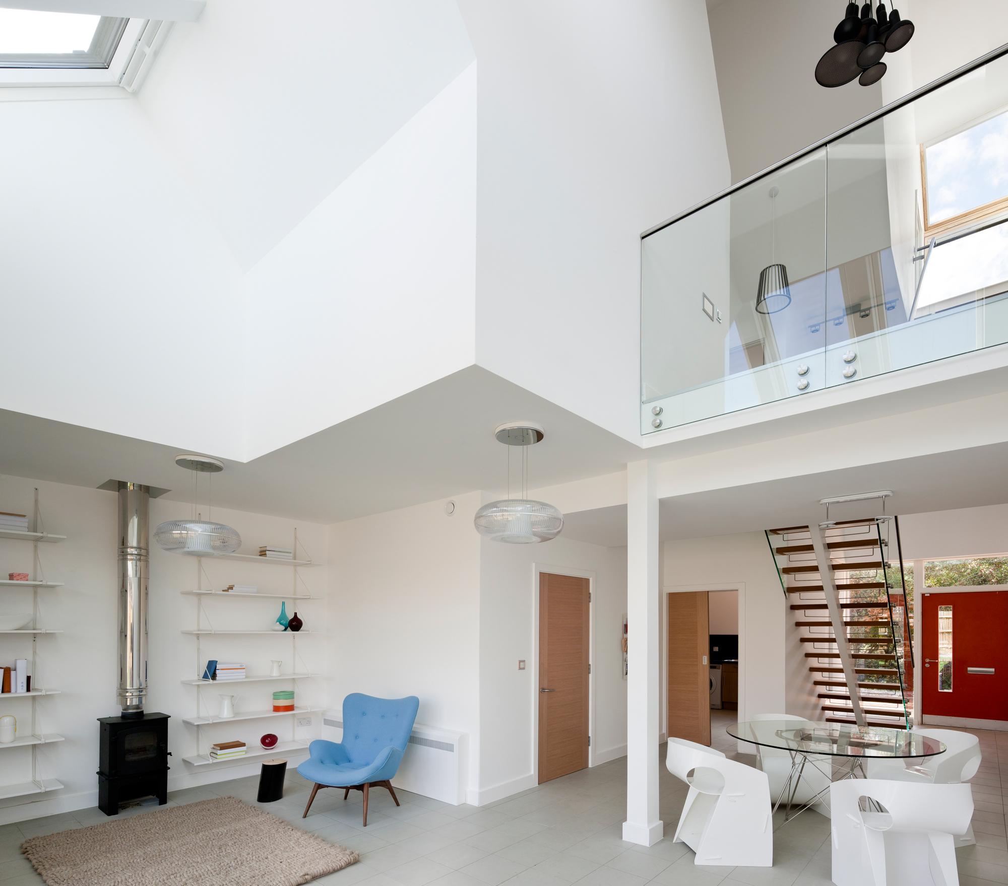 Appartamento mansardato su due piani o duplex for Quanto costa una casa a due piani