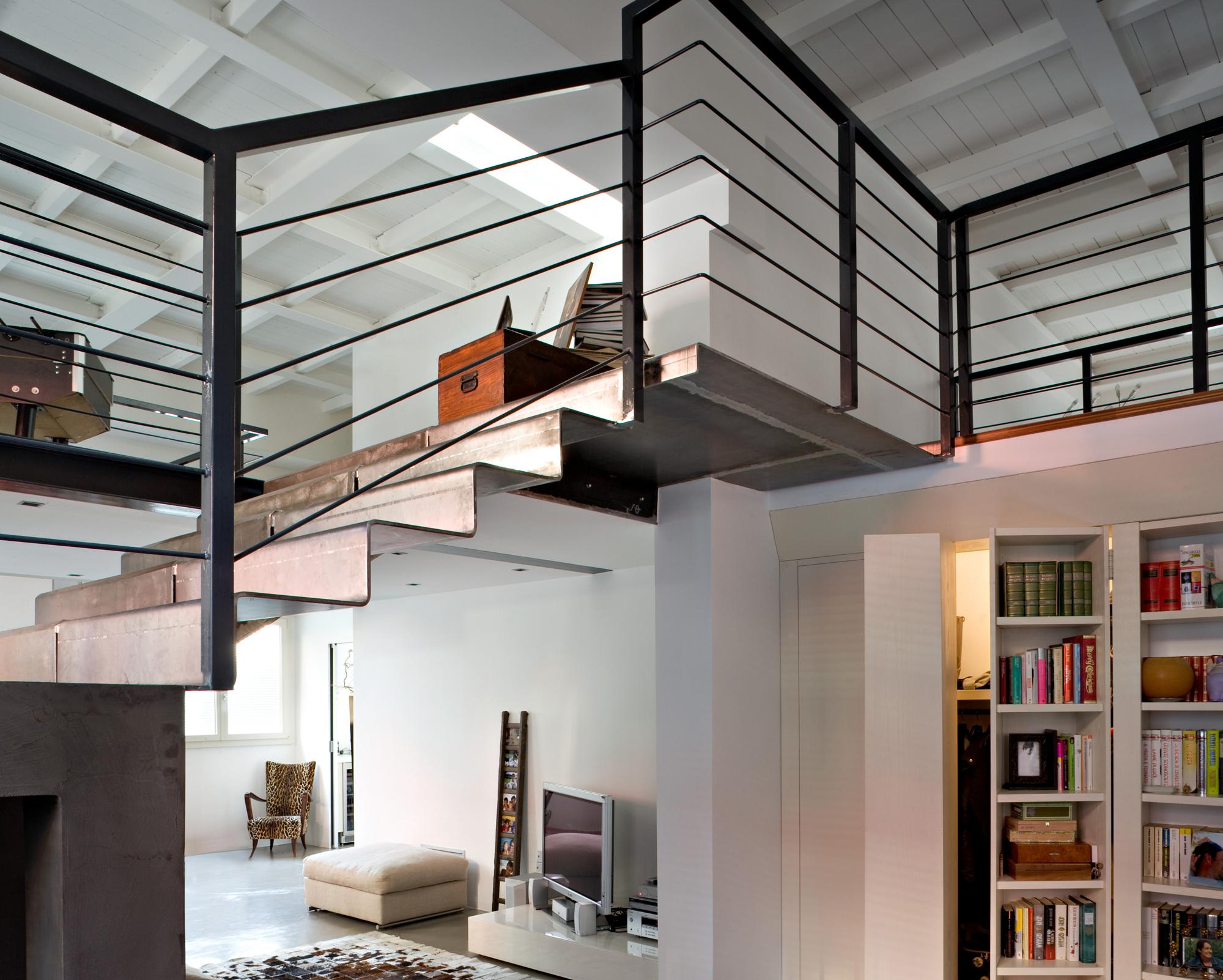 Illuminazione Con Tiranti : Costruire un soppalco calpestabile: come realizzare un soppalco?