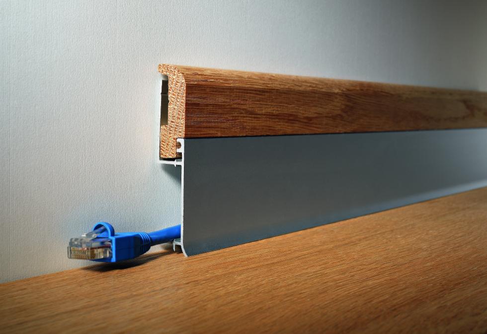 4 soluzioni per nascondere cavi e prese for Nascondere cavi tv