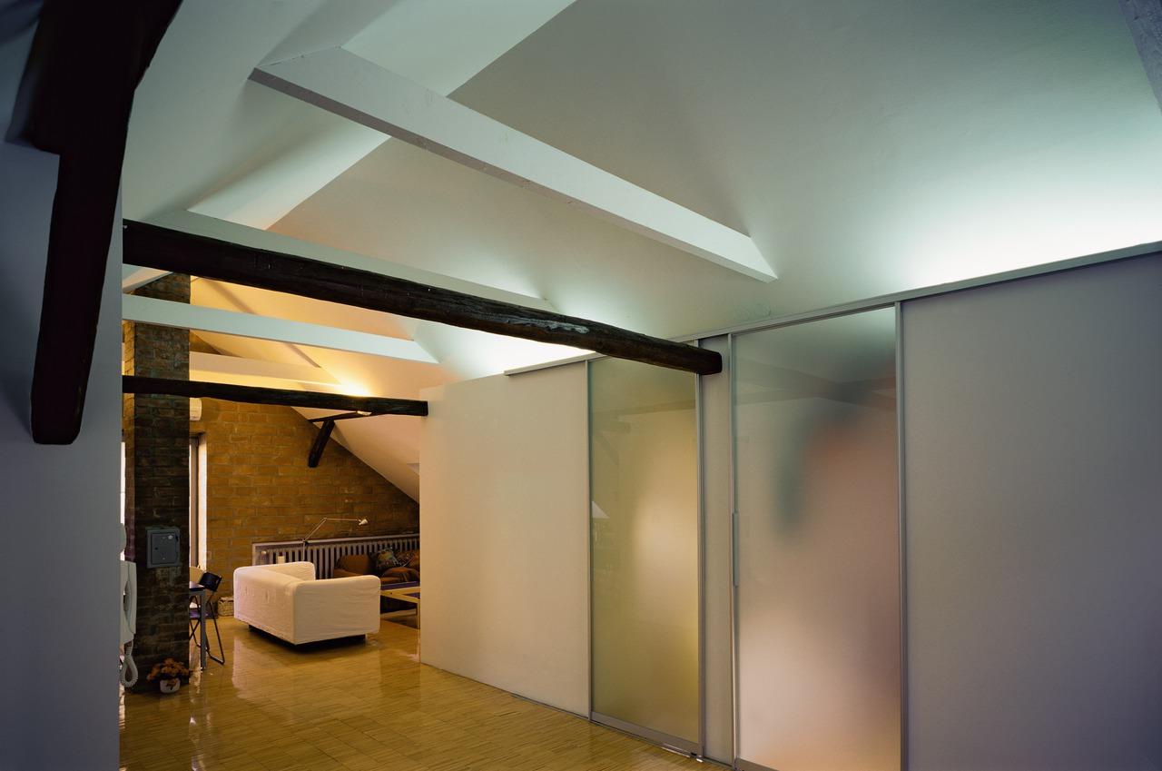 Come rendere pi luminosi gli ambienti - Porte in vetro per bagno ...