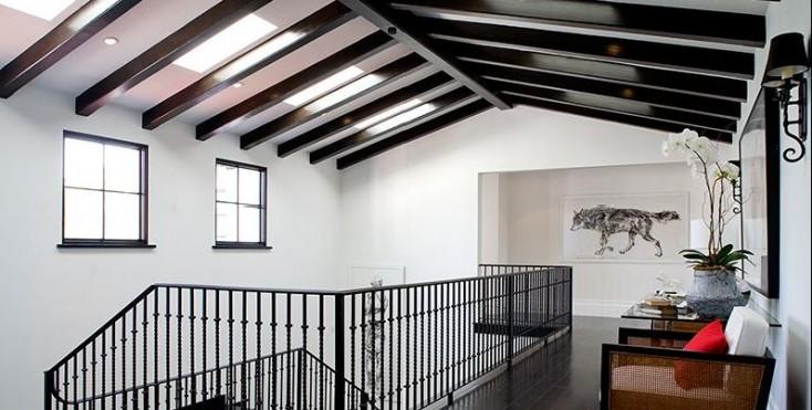 Come adattare il soffitto allo stile della mansarda for Numeri di casa in stile spagnolo