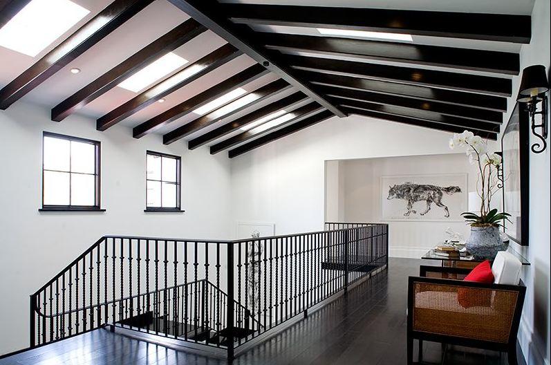 una casa in stile spagnolo