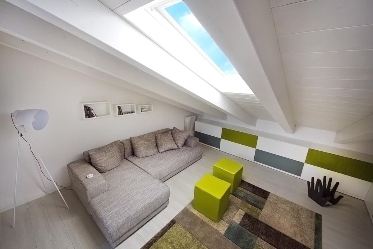 Un appartamento vista colline for Arredare sottotetto non abitabile