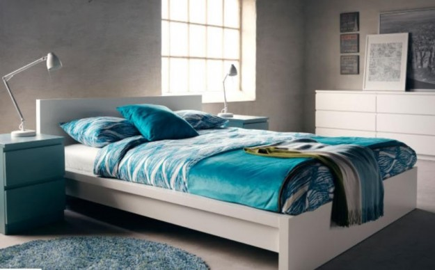 Camera da letto verde acqua e bianco - Ikea camera letto ...