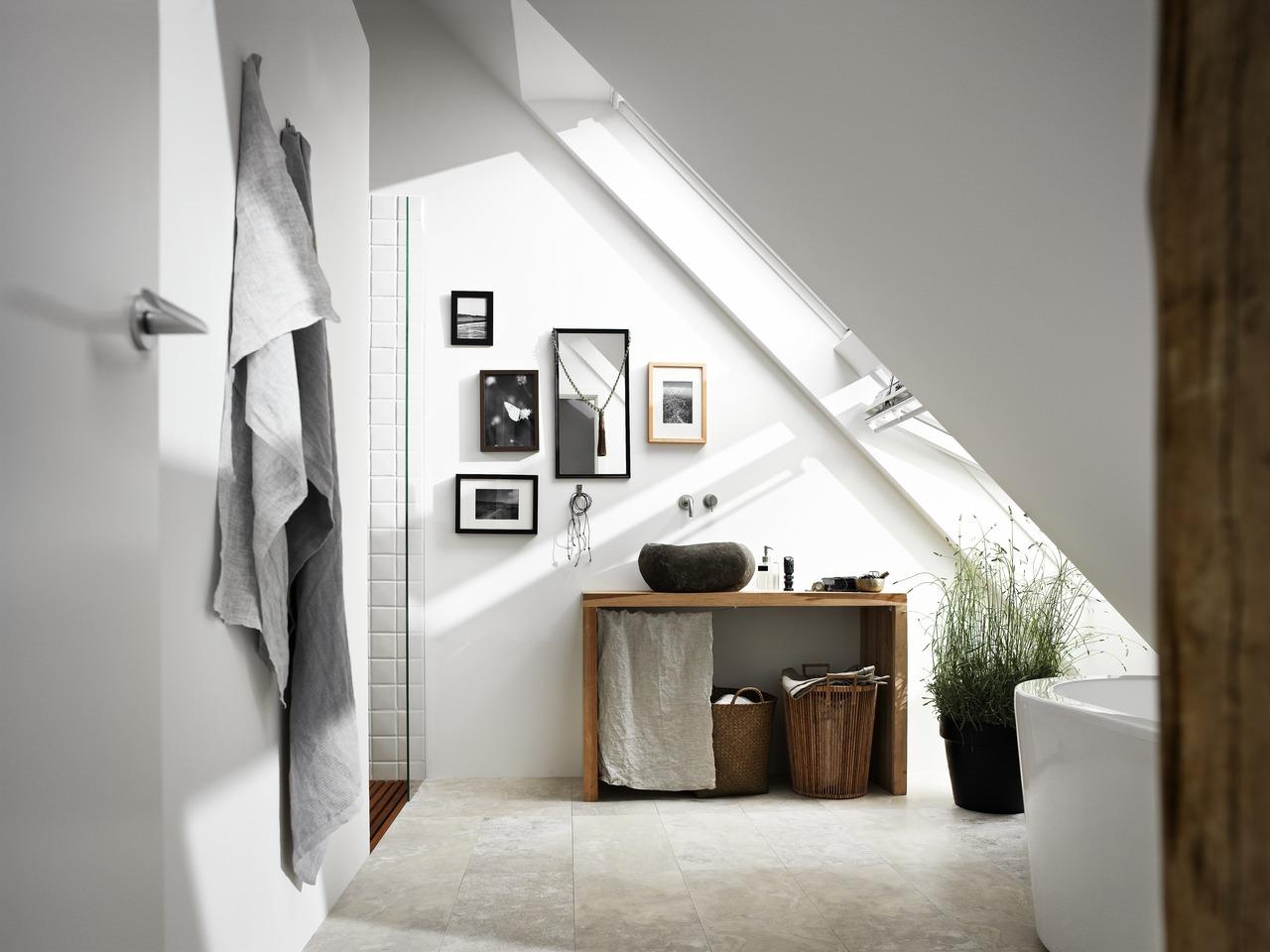 4 idee per ricavare spazio in bagno - Bagno in mansarda ...
