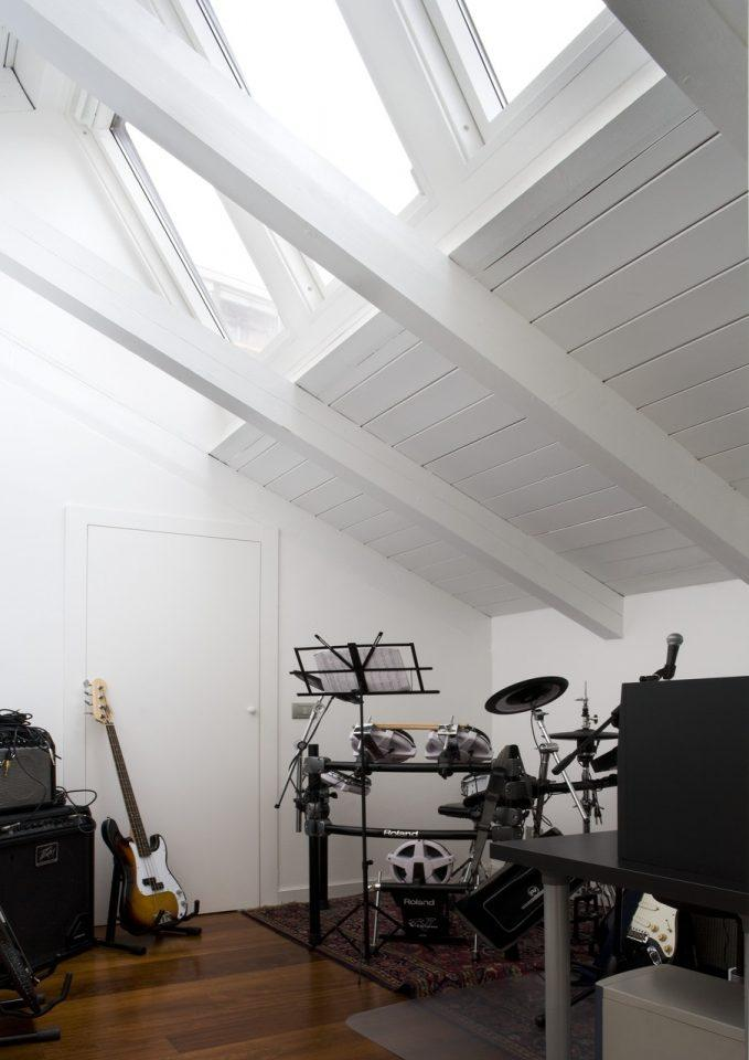 La stanza della musica nel sottotetto - Isolamento mansarda ...