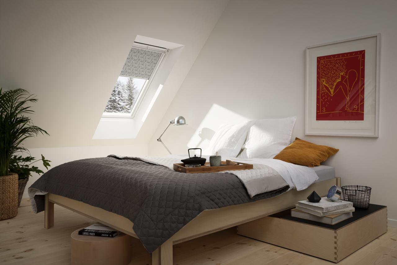 Tende per interni velux controlla la luce nella tua for Tende velux