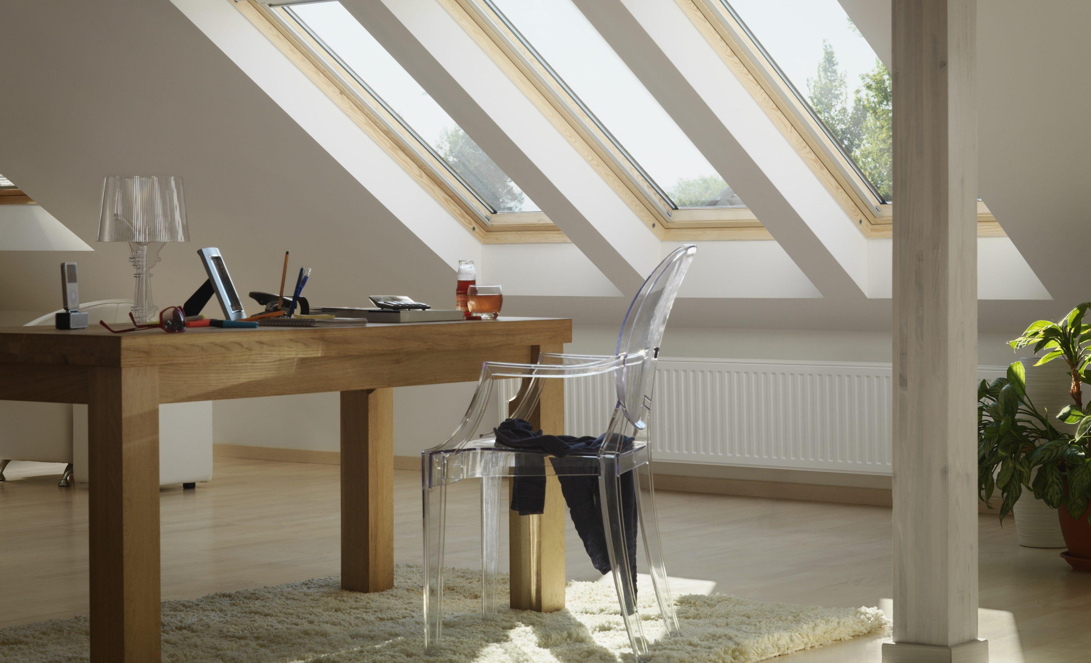 Un ufficio in mansarda - Quanto costa una finestra velux ...