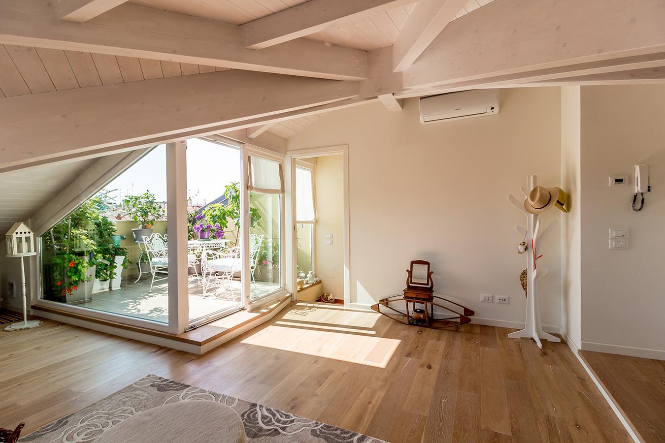 Terrazze in mezzo ai tetti for Creare una casa online