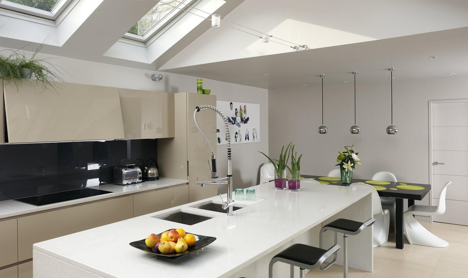 Finestre sul tetto per illuminare la cucina - Cucine per mansarde ...