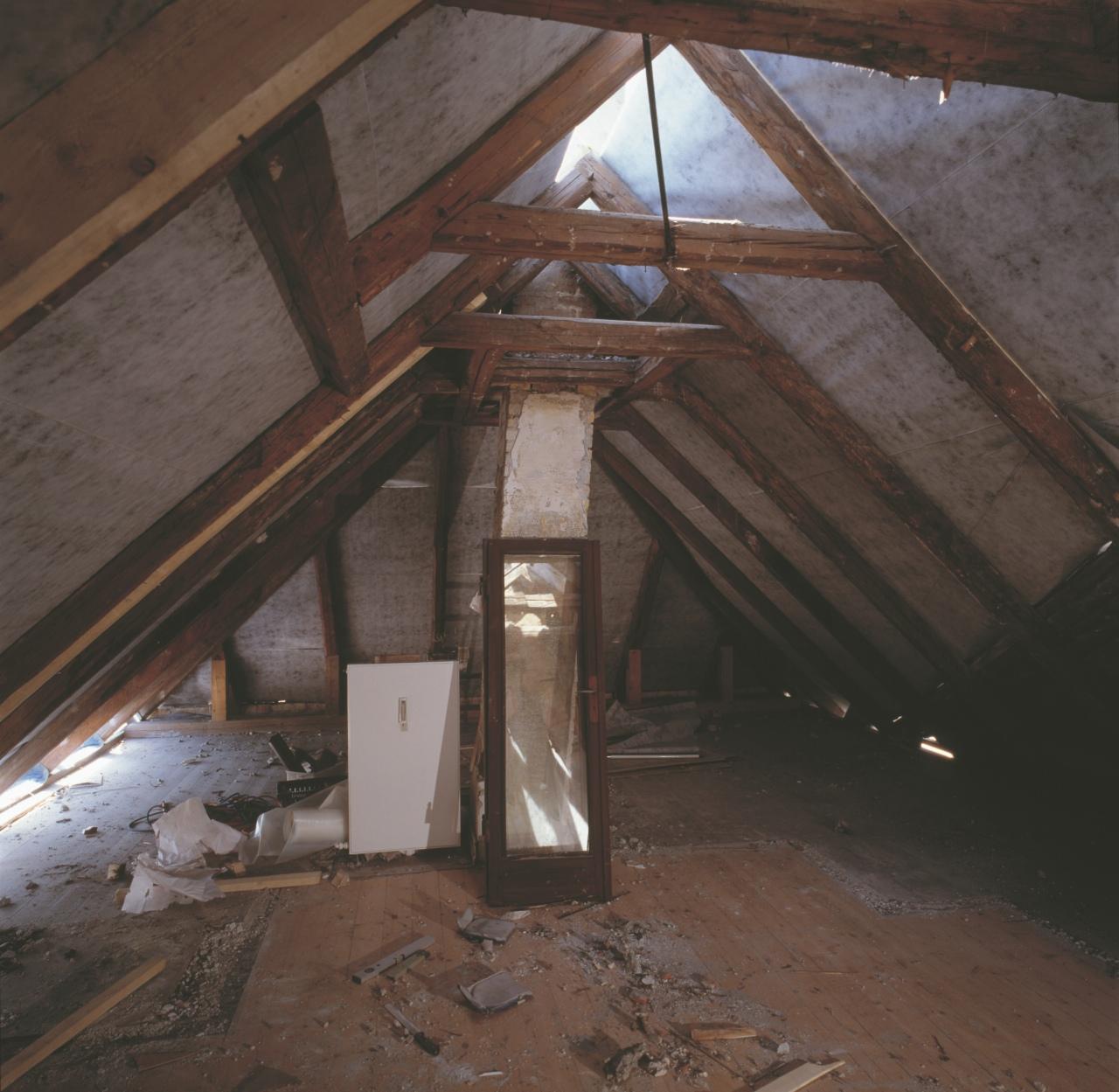 5 domande da fare prima di trasformare la soffitta in mansarda - Sfruttare sottotetto basso ...