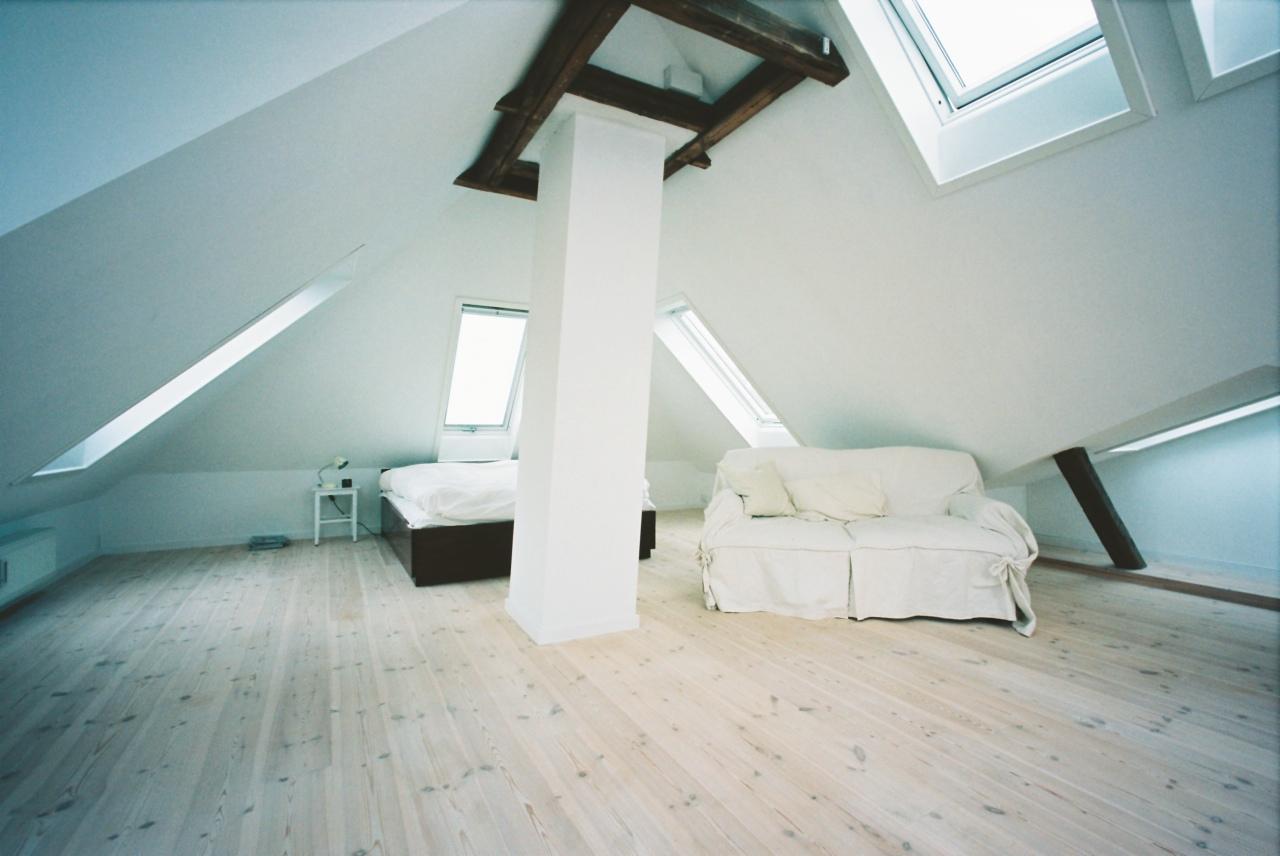 5 domande da fare prima di trasformare la soffitta in mansarda - Bagno mansarda non abitabile ...
