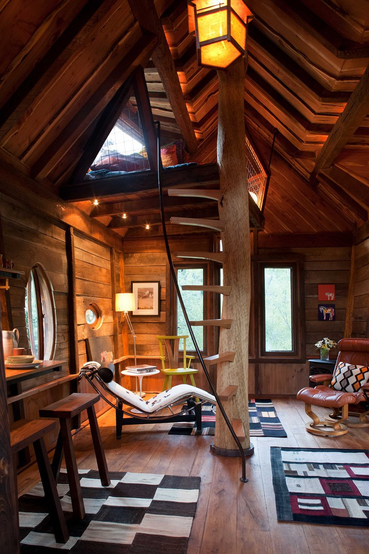 La mansarda in legno for Small cabin interiors photos