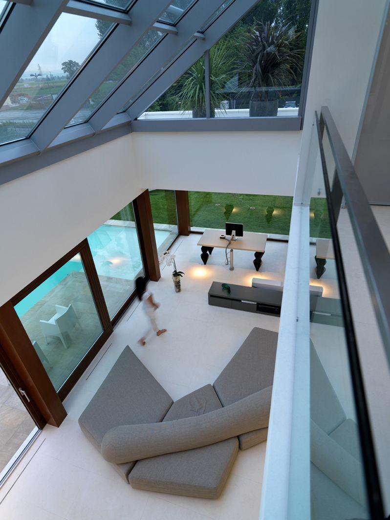 La casa della luce a bologna - Lamparas para techos altos ...