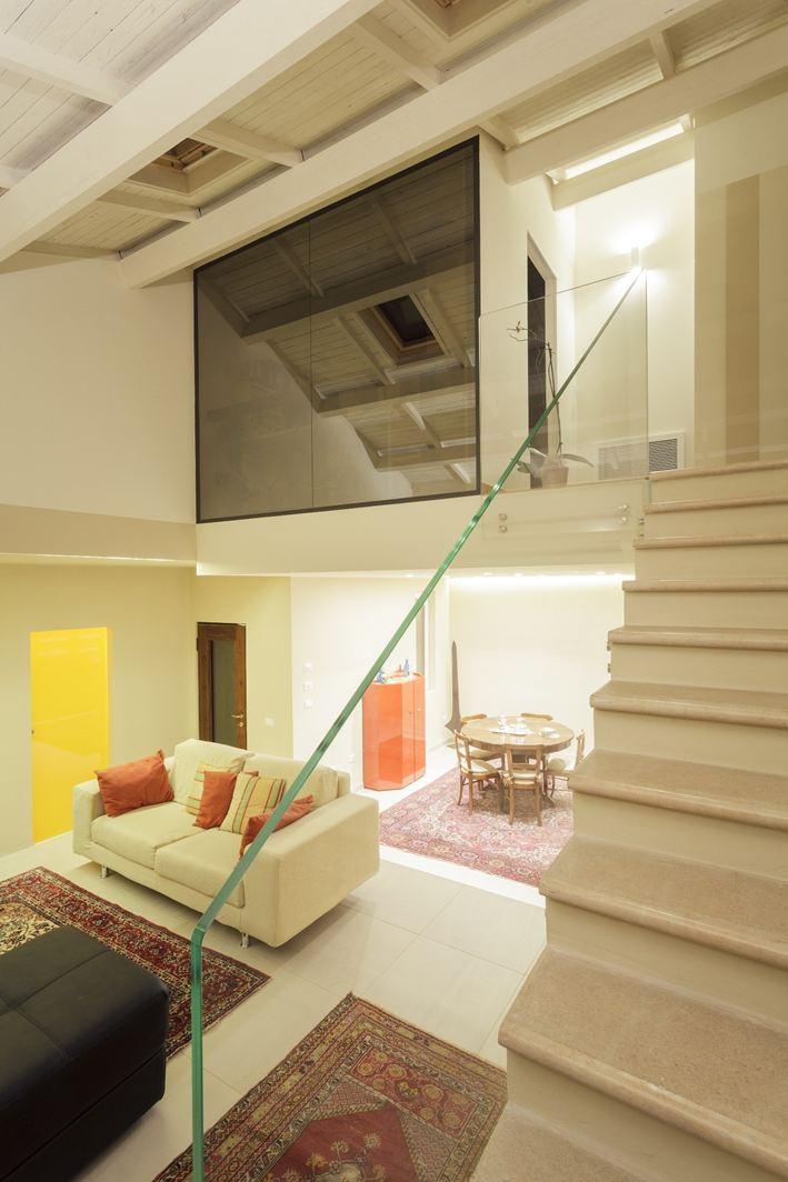 Soppalco in mansarda foto immagini e idee for Registrare i piani di casa con soppalco