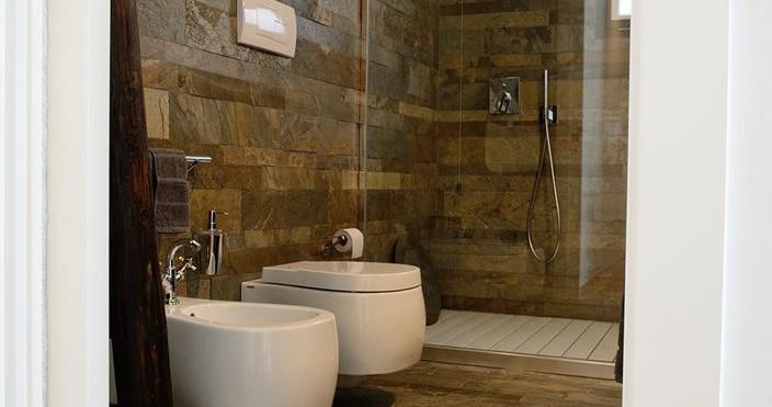 Pareti In Legno Modulari: Pareti in legno per bagni cipi consolle otto mobile da parete.