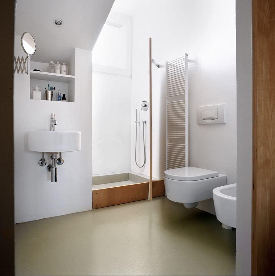 Una mansarda minimalista - Luce per bagno ...