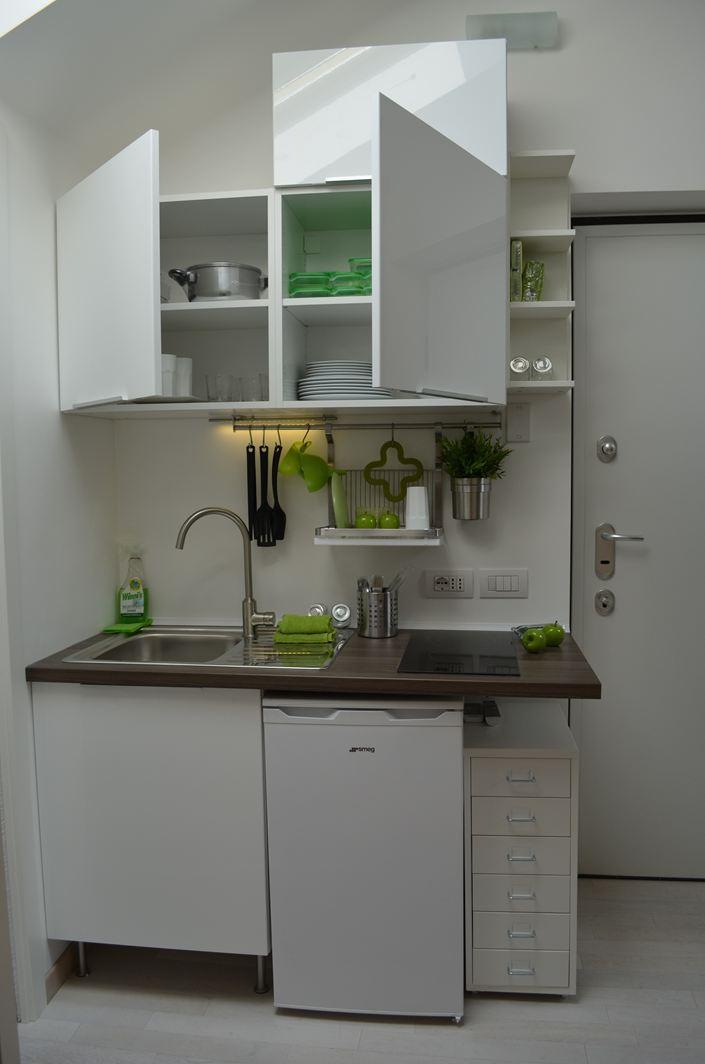 Una mansarda con soppalco piccola ma funzionale - Cucina con soppalco ...