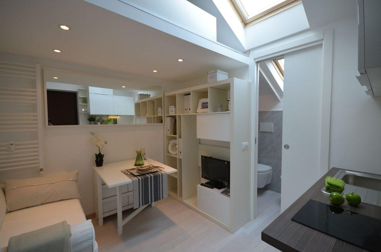 Una mansarda con soppalco piccola ma funzionale for Piani casa piccola casetta con soppalco