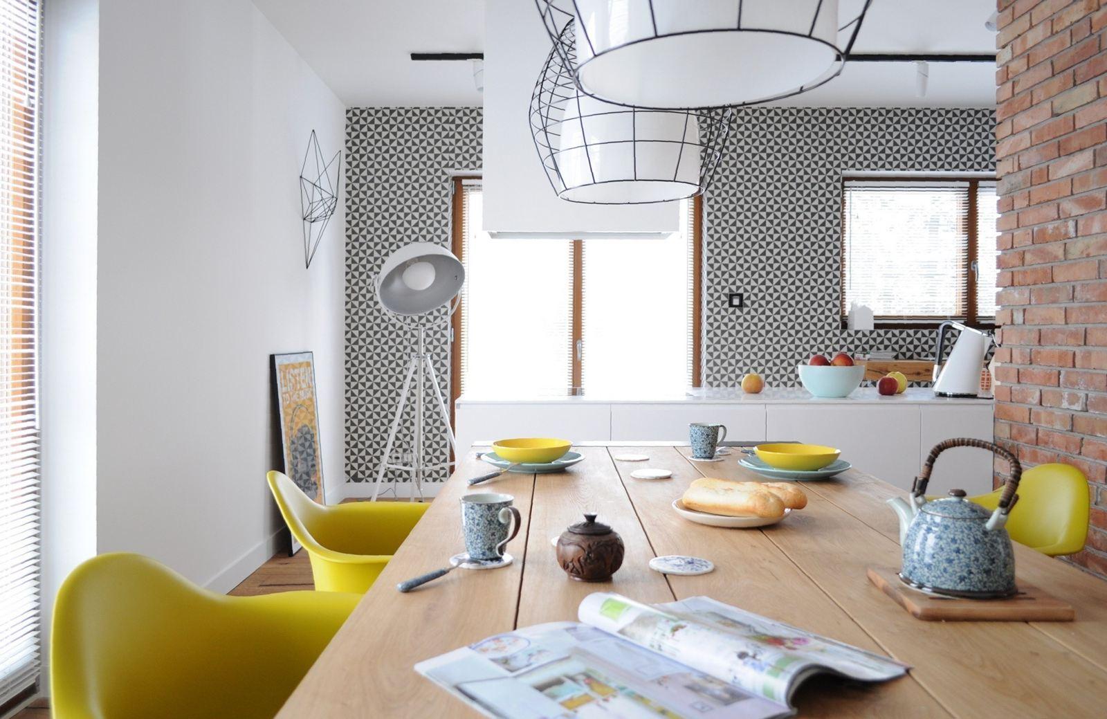 Moderno Ed Eclettico Attraverso Accenti Di Colore E Motivi Geometrici #A59526 1600 1039 Sala Da Pranzo E Cucina