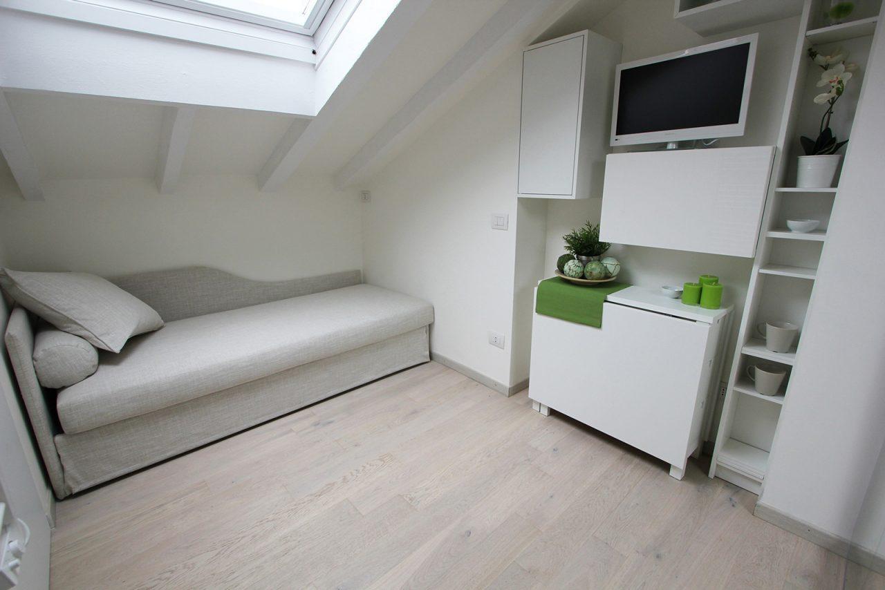 Mobili per piccoli spazi i trasformabili casa luce - Mobili per mansarde ikea ...