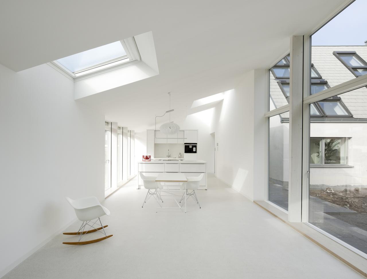 Finestre sul tetto per illuminare la cucina - Luce per cucina ...