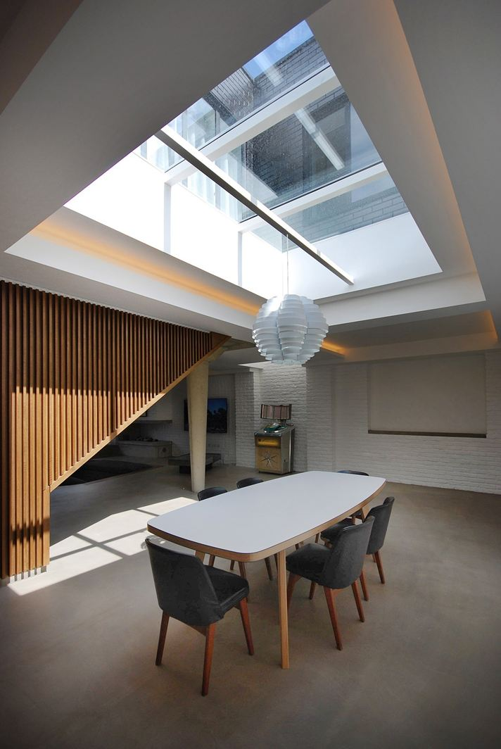 Un loft con la luce dall 39 alto for Garage con i prezzi degli appartamenti loft